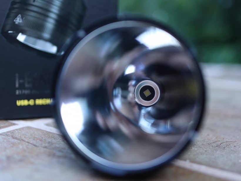 Nitecore P30i LED